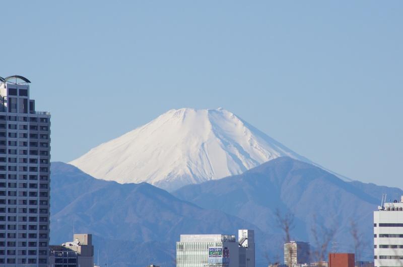浅間山から望遠レンズで撮影した富士山